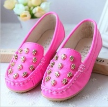 Free shipping Kids flats 2013 female child princess casual shoes cow muscle child outsole Moccasins(China (Mainland))