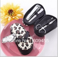 "New arrival  15sets/lot wedding favor ""Cheetah Chic"" Flip-Flop Pedicure Kit"