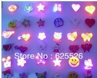 Cartoon flash brooch flash badge led badge brooch light-up toy /party indispensable/free shipping