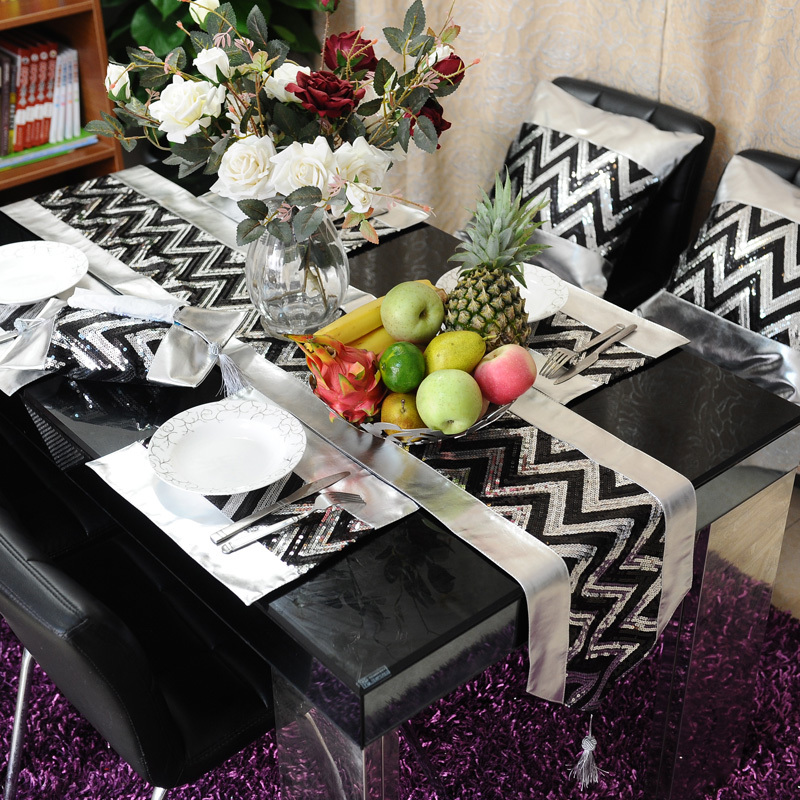 noir argent pu chemin de table set de table taie d. Black Bedroom Furniture Sets. Home Design Ideas
