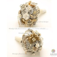 High quality flowers wedding bride holding flowers luxury gold and silver beads holding flowers
