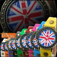 Wholesale British Flag Vinage Quartz Woman Fashion Men Retro Colorful Wrist Watch Ladies