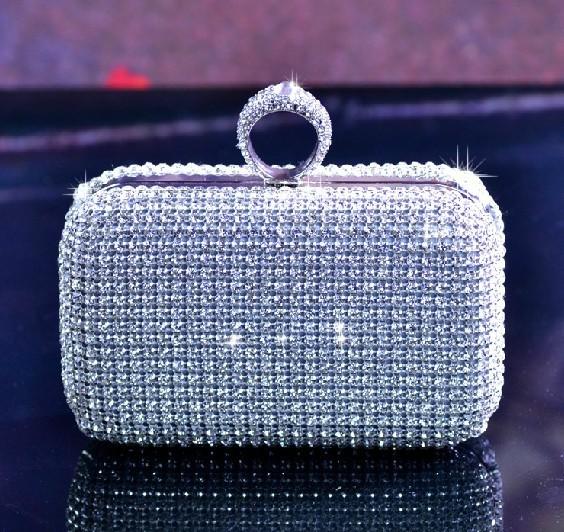 Сумка в виде алмаза