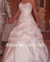 2013 new arrival fashion elegant sweetheart taffeta appliques beads lace up ball gown wedding dress