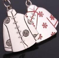 Free Shipping  Fashion Jewelry  Heart  middle man shake handshandle couple keychains creative  keychain