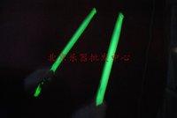 Grade A maple. Super cool. Matte non-slip. Luminous drumsticks. Fluorescent drumsticks. Suitable for playing Light Music