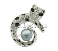 Free shipping!!!Rhinestone Brooch,Fashion, Cultured Freshwater Pearl, with Zinc Alloy, Animal, platinum color plated