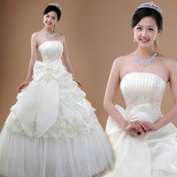 2013 New Long sweeping movements chest white lace princess wedding dress