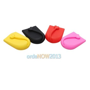 O3 Key Chain Hasp Style Silicone Pouch Card Bag Case Gift Key Holder Magnet Snap