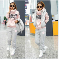 Hot Sale 2013 Winter Thickening Fleeces Sports Suits casual Women's Girl set ,for Free shipping .D082
