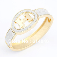 Summer Sale Punk Refinement Brands Designers Fashion Jeweley I H Letter Accessories Gold Wristbands Wide Bangles Bracelets A143