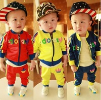 2013 autumn new arrival children's clothing Boys Korean version velvety sports suit Baby suit
