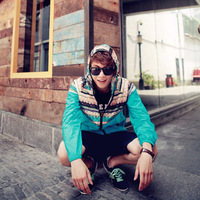 2013 National Trend Male Outdoor Jacket Windproof Light Waterproof Quick-Drying With A Hooded Outerwear Free Shipping