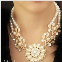 freeshiiping(minorder$15 can mix)natural pear noble clavicle necklace with Czech rhinestones sweet style high qility gentlewomen