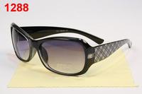 2013 women's star style sunglasses fashion vintage sunglasses elegant small box classic anti-uv  come with box free shipping