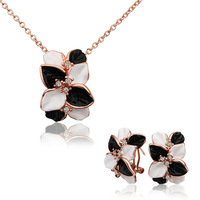 New arrival!18k rose gold fashion sets,high quality white and black flowers crystal pendant necklace and stud earring S326