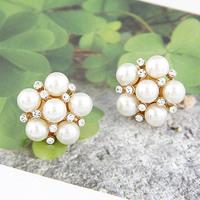 Min. order is $10 (mix order) free shipping 2014 new jewelry european style female sweet pearl flower stud earring elegant girl