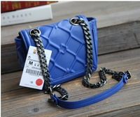 The new 2013 Spain orders plaid Z  mini candy chain single shoulder bag