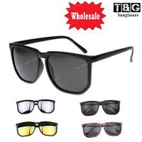 Wholesale Retro Frame Glasses Classic Vintage Eyeglasses  Inspired Square Oversize Shape w Key Hole Designer Style  Sunglasses