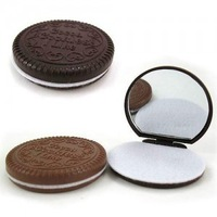 Creative Valentine's Day gifts, chocolate sandwich biscuits makeup mirror
