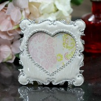 Aesthetic princess photo frame pearl white heart alloy rhinestone photo frame small decoration beauty decoration