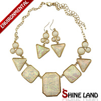 Free Shipping Min Order $10 (Mix Order) 2013New  Women European Fashion Ethnic Gold Plated Laser Resin Necklace Jewelry Sets