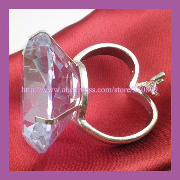 Wholesale!200pcs/lot K9 Wedding Embellishment Crystal Napkin Rings ,Rhinestone Napkin Holders .Zinc Alloy Napkin Ring(China (Mainland))