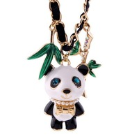 044 fashion women clear rhinestone crystals Cute panda Pendant short necklace