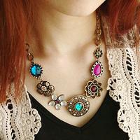Min order is $10 NEW sparkling rhinestone gorgeous vintage delicate flower rhinestone flower necklace 1459