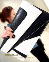 2013 spring and summer new European and American minimalist black and white contrast color Clutch Shoulder Messenger Handbag