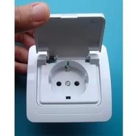 German type waterproof connector, the waterproof connector european-style splash uefa rules oubiao dustproof plug socket