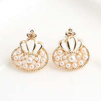 Brincos Min.order is$10  18K Gold Plated     Cross petals inlaying pearl cutout stud earring e8307d