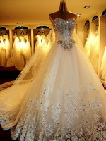 Free shipping! 2013 Tube top Fashion Women dress Sweet Lace Crystal Lovely High-quality Sexy Train Bride Wedding Dress