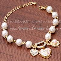 Wholesale Free shipping With Rhinestone Heart carved decorative pattern Alphabet bracelet