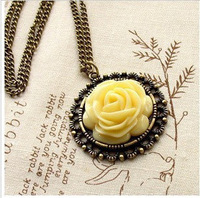 Free shipping 10pcs/lot high quality fashion Fashion vintage accessories female royal rose pendant necklace