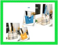 B150 Drop shipping Plaid hit color European version of the double-sided hit color shoulder Messenger Bag
