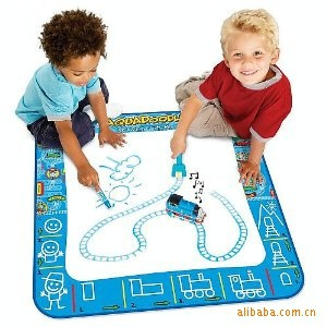 2pcs/lots American Education Toys Thomas Aquadoodle Aqua Doodle Drawing Mat&1 Magic Pen/Water Drawing Replacement Mat 80*80cm(China (Mainland))