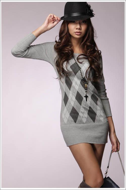свитер с ромбами женский