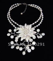 Free ship!!! PEARL MOP SHELL WIRED FLOWER NECKLACE white freshwater pearls mother of pearl shell wired flower
