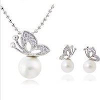 CS28 Fashion full rhinestone butterfly Pearl Earrings and Necklace Jewelry Set wholesale B5.6