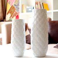 Ceramic brief vase floor