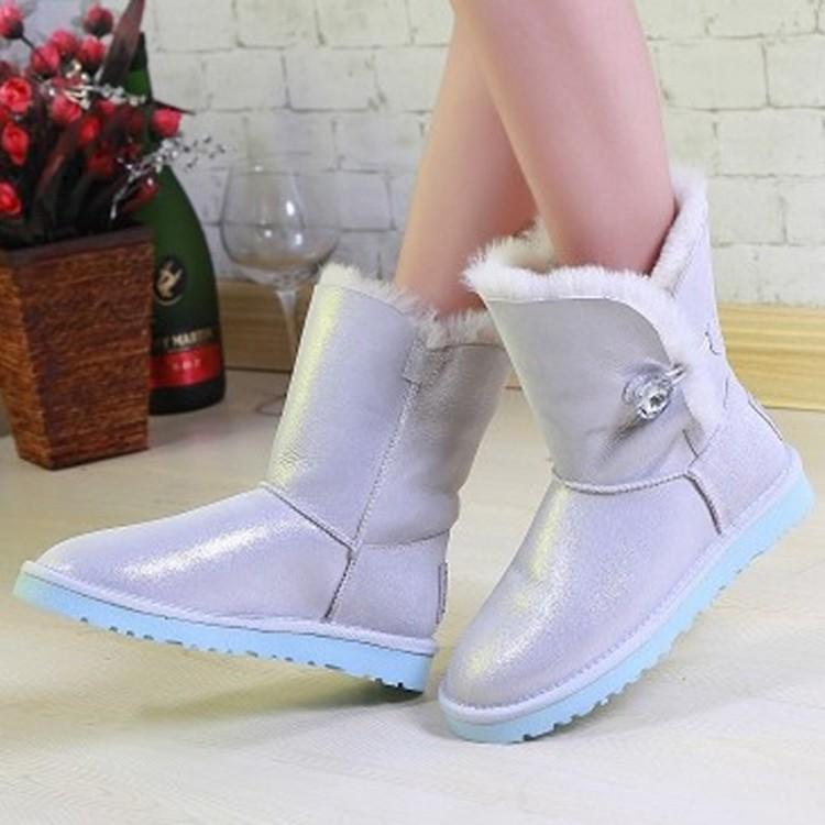 Female snow boots fur one piece genuine leather flat heel fashion boots martin boots female fashion(China (Mainland))