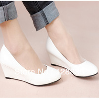 2013 Korean version of the pure light color lady mouth patent leather wedge heel work shoes to help low free shipping