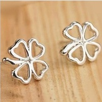 Fashion Korea Hollow Out Lucky Clover Earring