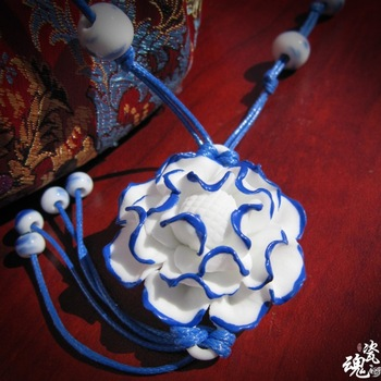 Handmade folk style 3D vivid peony flower ceramic crafts pendant necklace jewelry porcelain long sweater chain gifts HMYL04