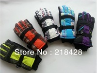 WHOLESALE:The new ski gloves waterproof gloves ,thicker  gloves