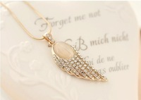 \Minimum order $10 (can be mixed order) fashion elegant crystal gem angel wings necklaces wholesale free shipping