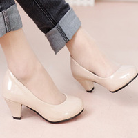 Black small leather princess japanned leather pointed toe thick heel with the single shoes ol female shoes white