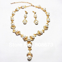 New!!Free Shipping Gold Tone Stunning Crystal And Pearl Necklace Earrings Jewelry Set