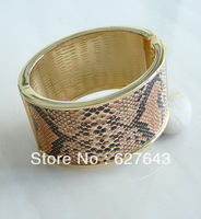 FG008(Min.Order $15)2013 Fashion Jewelry Bracelets & Bangles Novel Modeling  Hawk Bangle For Women 18K Gold Plated Bangle